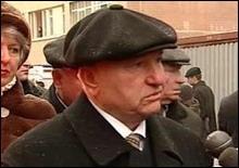 Лужков предлагает перенести начало рабочего дня на 7 часов утра - 2006111213240560_1