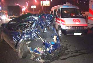 В Киеве столкнулись 12 автомобилей - 20061128220520100_1