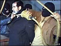 Саддама похороннили в его родном селе - 20061231101323955_1