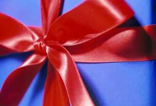 Социологи выявили самые популярные подарки на 8 марта - 20070305220354919_1