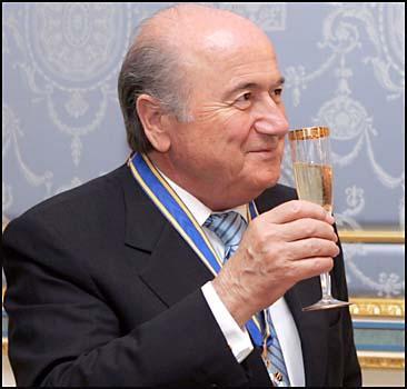 Визит президента ФИФА в Украину обернулся скандалом - 20070321160446885_1
