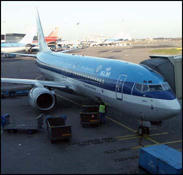 Украинцев пустят в самолет с оружием - 20070522101502847_1