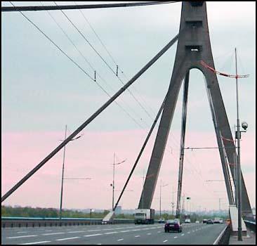 Ограничено движение на Московском мосту - 20070604181402593_1