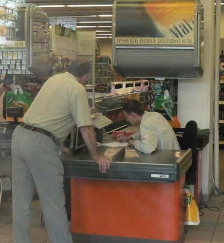 В круглосуточном супермаркете украли почти 6 тысяч гривен - 20070830143813245_6