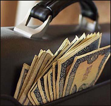 Ректор НАУ покупал автомобили за деньги студентов? - 20070911171452117_1