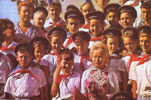 Не так уж и давно..: Пионеры СССР (20 фото) - 20070927232809523_7