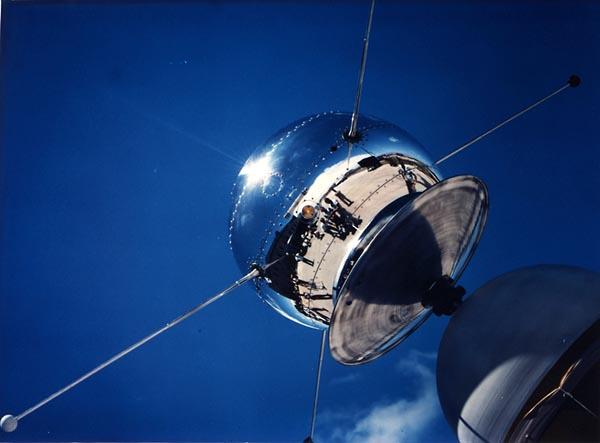 50 лет запуска первого искусственного спутника Земли (8 фото + много текста) - 20071004182851295_6