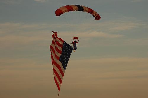 Американский парашютист несанкционированно пересёк мексиканскую границу - 20071022153423935_4