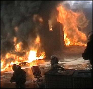 Бомжи подожгли дом на Подоле! - 20071113205804263_1