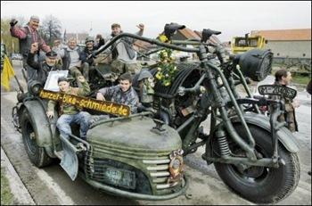 Немцы сделали танк-мотоцикл - 20071128221803310_1