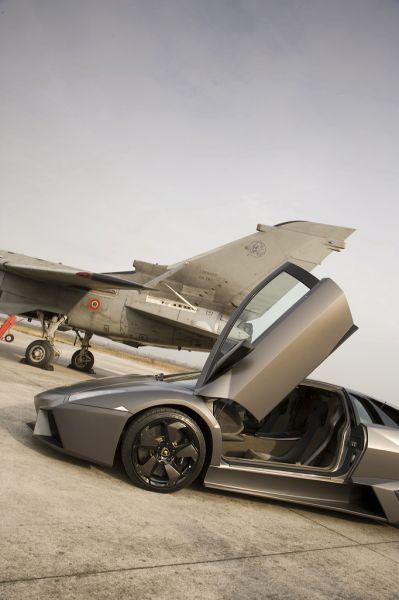Lamborghini Reventon против боевого истребителя Tornado - 20071204194734562_3