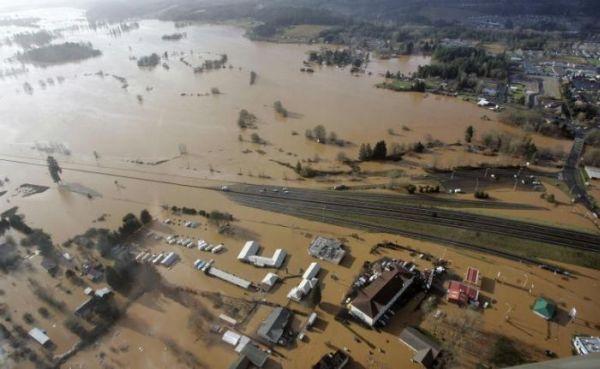 Сильнейшее наводнение на северо-западе США - 20071206201024183_13