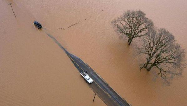 Сильнейшее наводнение на северо-западе США - 20071206201024183_14