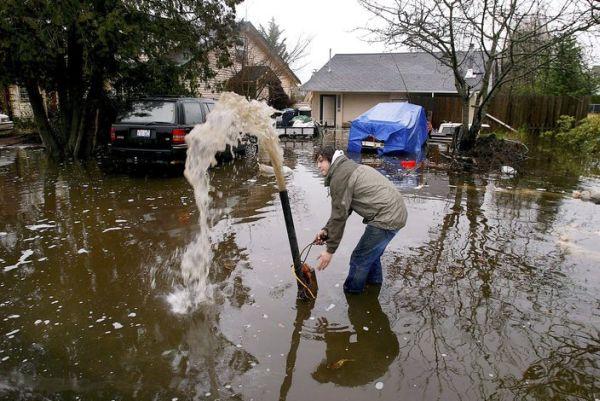 Сильнейшее наводнение на северо-западе США - 20071206201024183_4