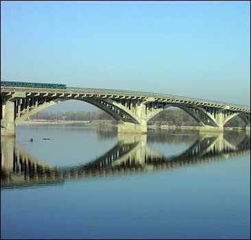 Столичная власть возьмет под охрану мосты - 2007121122213423_1