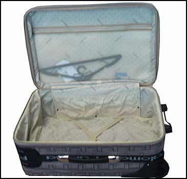 Британка 50 лет хранила останки ребенка в чемодане - 20071219191456951_1