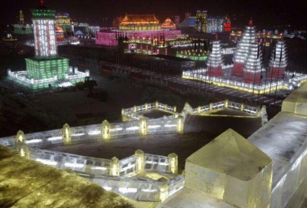 Фестиваль снежных и ледяных фигур в Харбине - 20071224195506355_1