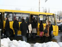 Под стенами киевской мэрии бастуют водители маршруток  - 20080213111604316_1