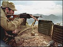 Армения обвиняет Азербайджан в нападении  - 20080304175104216_1