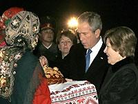 В Киеве проходит официальная церемония встречи Ющенко и Буша - 20080401101905619_1