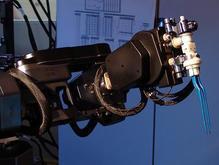 Робот-хирург впервые совершил сложную операцию   - 20080522123029523_1