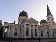 В Одессе установлен наибольший колокол в Украине - 20080611152323326_1