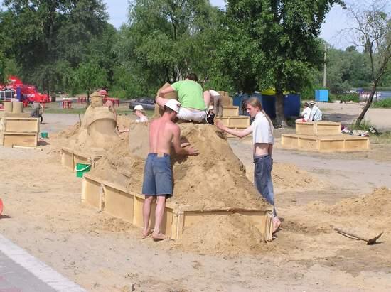 Фестиваль песчаной скульптуры 2004 год, Оболонь (фото из архива) - Festival-peschanoj-skulptury-2004-Obolon_14