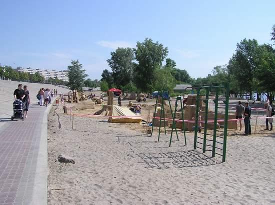 Фестиваль песчаной скульптуры 2004 год, Оболонь (фото из архива, часть 2) - Festival-peschanoj-skulptury-2004Obolon2_14
