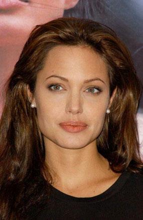Анджелина Джоли вернется на экраны - angelina-djoli-verneysja-na-ekran_1
