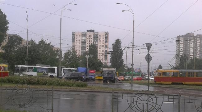авто vs трамвай, сегодня на ул. Зои Гайдай = ничья :) (фото) - avto-vs-tramvaj-segodnja-na-ul-zoi-gajdaj-nichja-foto_6