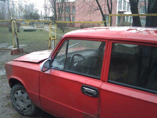 Авто, все еще ездит, может угнали? (4 фото) - avto-vse-ewe-ezdit-mozhet-ugnali_3