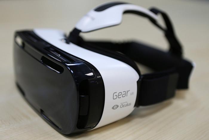 История и новости Оболони Gear VR - универсальная гарнитура виртуальной реальности