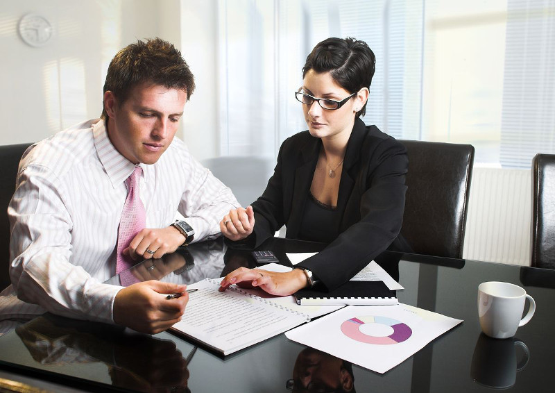 Мы предлагаем услуги юриста в разных секторах от общего права - my-predlagaem-uslugi-jurista-v-raznyh-sektorah-ot-obschego-prava_1