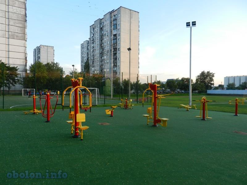На Оболони обновился ещё один стадион (7 фото) - na-oboloni-obnovilsja-esche-odin-stadion-7-foto_4