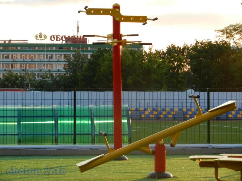На Оболони обновился ещё один стадион (7 фото) - na-oboloni-obnovilsja-esche-odin-stadion-7-foto_7
