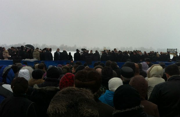 Охрана Януковича не пускала киевлян к своим домам - ohrana-janukovicha-ne-puskala-kievljan-k-svoim-domam_2