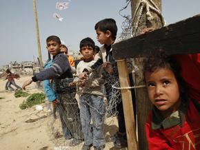 Семья, потерявшая в Газе 29 родственников, требует $200 млн компенсации - semja-poterjavwaja-v-gaze-29-rodstvennik_1