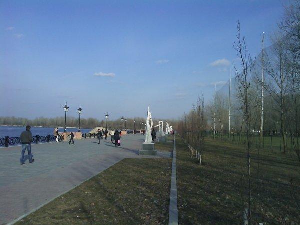 Субботняя прогулка по набережной - subbotnjaja-progulka-po-naberezhnoj_13
