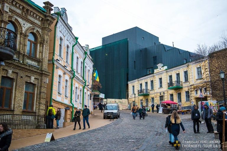 Обновленный фасад театра на Подоле - 15203375_915259941942443_5793401049801776970_n-768x512