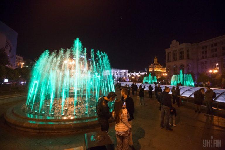 Светомузыкальные фонтаны: столица встречает гостей Евровидения - 1493803036-7945-768x511