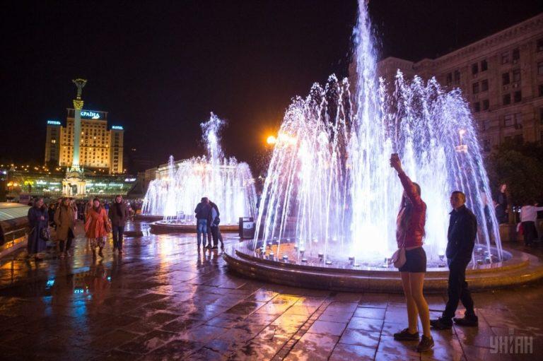 Светомузыкальные фонтаны: столица встречает гостей Евровидения - 1493803039-1749-768x511