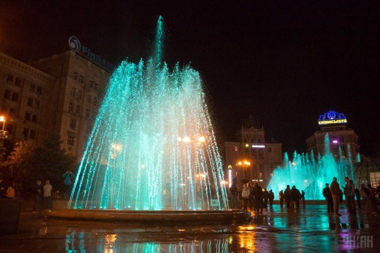 Светомузыкальные фонтаны: столица встречает гостей Евровидения - 1493803040-2126-768x511