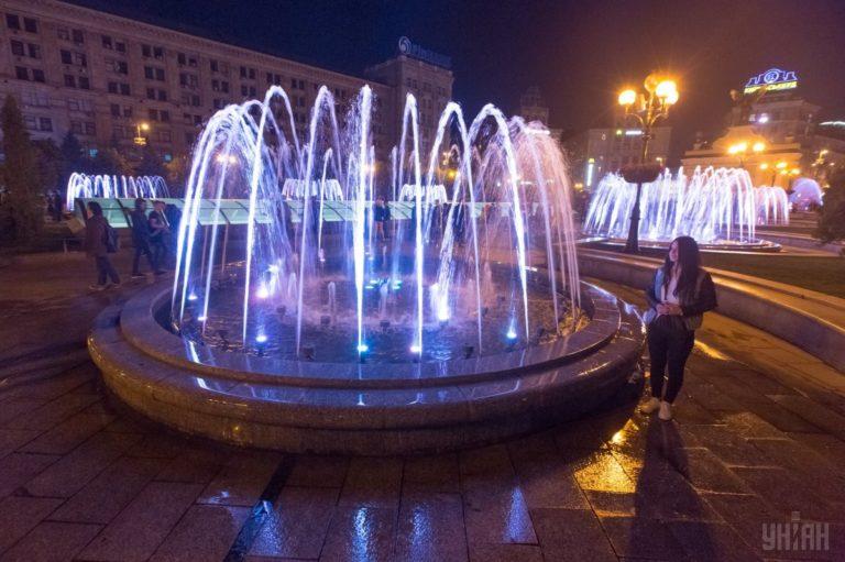 Светомузыкальные фонтаны: столица встречает гостей Евровидения - 1493803040-6225-768x511