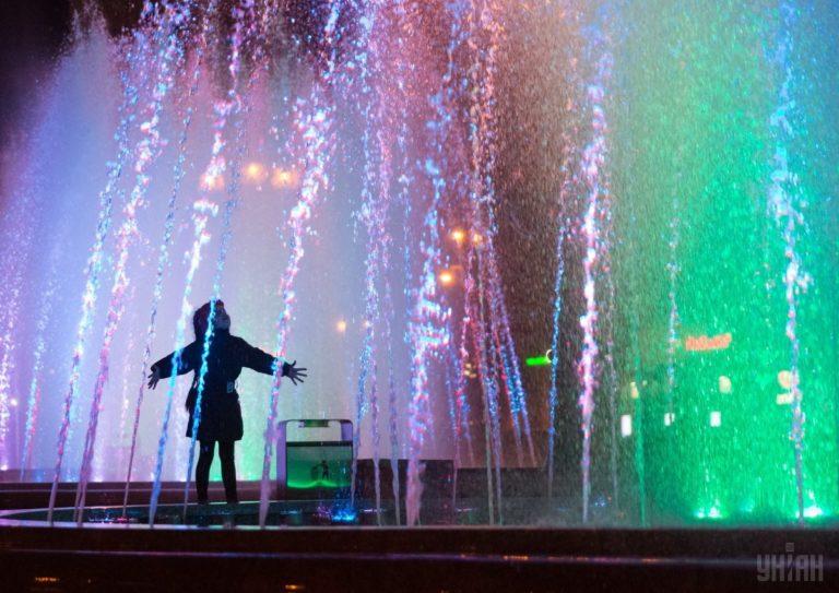 Светомузыкальные фонтаны: столица встречает гостей Евровидения - 1493803043-2052-768x543