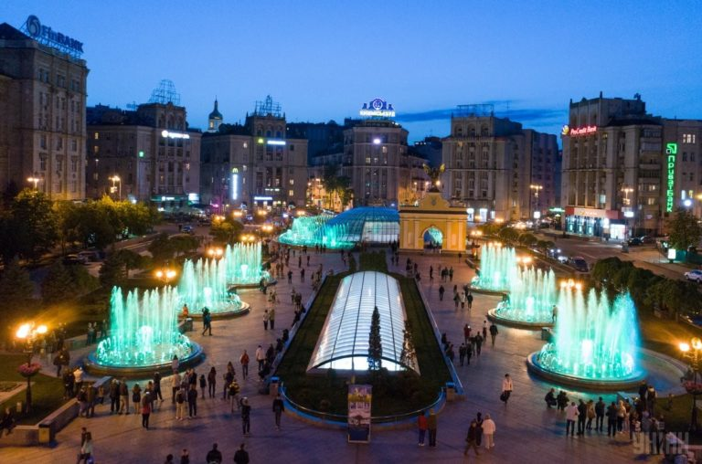 Светомузыкальные фонтаны: столица встречает гостей Евровидения - 1493803043-2452-768x508