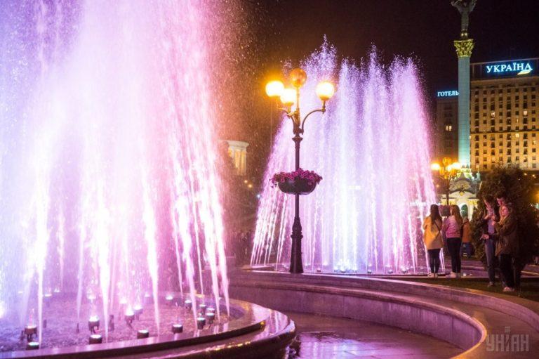 Светомузыкальные фонтаны: столица встречает гостей Евровидения - 1493803043-6198-768x511