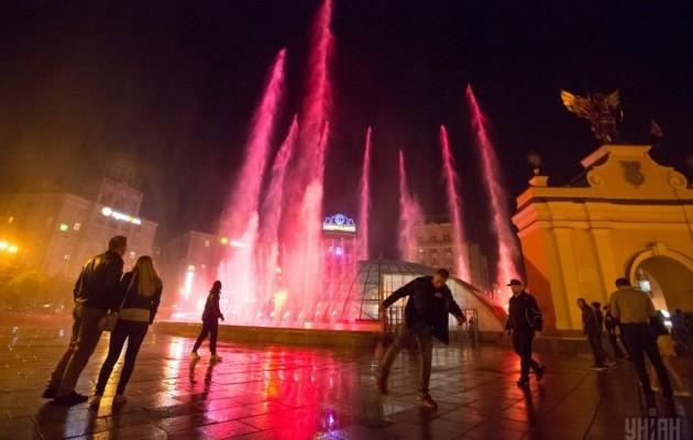Светомузыкальные фонтаны: столица встречает гостей Евровидения - 630_400_1493803036-2232