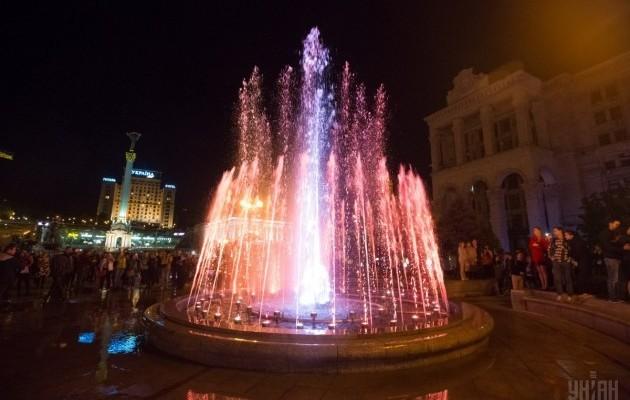 Светомузыкальные фонтаны: столица встречает гостей Евровидения - 630_400_1493803036-8368