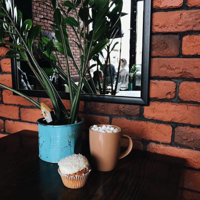 Куда пойти на кофе: кофейня Cup&Сake на Оболоне - 19665280_1539829269406624_7165447979106753517_n-768x768