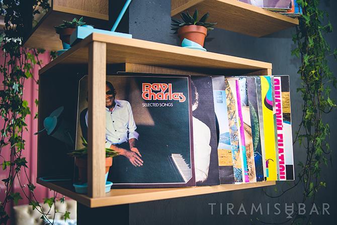 Инстаграмное место: Tiramisu bar на Оболонской набережной - GEX_8079